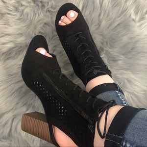 Shoes - Black open toe, lace up, block heel